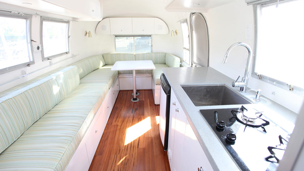 1967 Airstream Globetrotter - Alice - Innovative Spaces